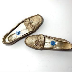 Bandolino B Flexible Gold Loafer